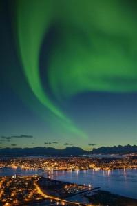 Aurora boreale nella città do Tromso