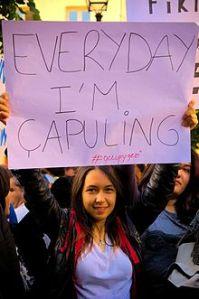 Çapuling, pseudoanglicismo coniato in occasione delle proteste